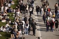 Fransa'da Son 24 Saatte 59 Bin 38 Yeni Vaka