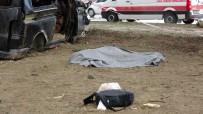 Isparta'da Minibüs İle Hafif Ticari Araç Çarpıştı Açıklaması 3 Ölü, 8 Yaralı