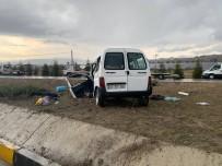 Isparta'da Trafik Kazası Açıklaması 3 Ölü, 8 Yaralı (1)