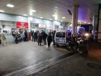 İzmir'de Akrabalar Arasında Bıçaklı Kavga Açıklaması 1 Ölü