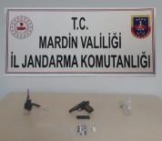Mardin'de Ruhsatsız Tabanca Ve Uyuşturucu Ele Geçirildi
