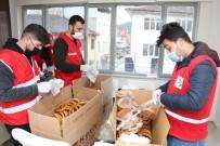 Kızılay Gönüllüleri Taşova'ya Çıkartma Yaptı