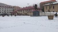 Bayburt Ve Erzincan'ın Yüksek Kesimlerinde Kar Yağışı Etkili Oldu