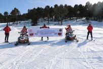 JAK Timleri Kadınlar İçin Kayaklı Gösteri Yaptı