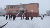 Karlıova'da Kar Etkili Oldu, En Çok Çocuklar Sevindi