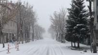 Kars'ta 57Köy Yolu Ulaşıma Kapandı