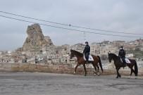 Kapadokya'da Atlı Jandarma Ekipleri Devriyeye Başladı