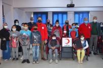 Kırıkhan'da Öğrencilere Kırtasiye Ve Hijyen Seti Dağıtıldı