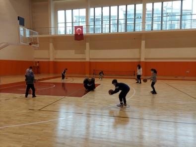 Spor Salonlarında Antrenmanlar Devam Ediyor