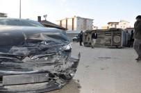 Yüksekova'da Trafik Kazası Açıklaması 1 Yaralı