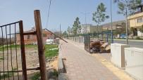 Dicle'de Yıkılmak Üzere Olan Direk Kaymakam Yurdagül'ün Talimatıyla Düzeltildi