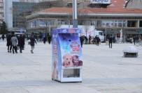 Kırşehir Belediyesi Sokak Hayvanları İçin 'Mamamatik' Uygulama Noktası Oluşturdu