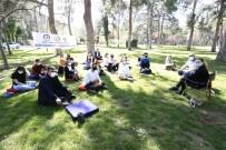 Gençler, Akademisyenler İle Bir Araya Geliyor