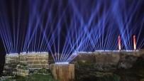 Kurtuluşun Yıl Dönümünde Işık Ve Havai Fişek Gösterisi Şanlıurfa Semalarını Süsledi