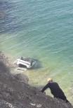 Otomobil Van Gölü'ne Uçtu Açıklaması 4 Yaralı