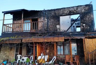 (Özel) Assos'ta Motelde Çıkan Yangında Bir Çift Ölümden Döndü