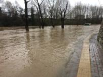 Bartın'da Sağanak Yağmur Taşkınlara Neden Oldu