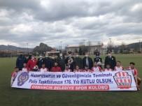 Osmancık Polise Pankartlı Kutlama