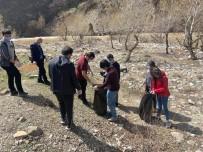 Pülümür Vadisi'nde Gençler Çevre Temizliği Yaptı