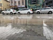 Şehir Merkezinde Zincirleme Kaza 1 Yaralı
