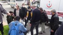 Halk Otobüsü İle Motosiklet Çarpıştı Açıklaması 1 Yaralı