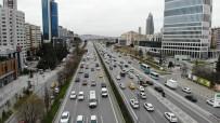 İstanbul'da İlk İftar Öncesi Trafik Yoğunluğu Başladı