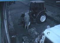 Kapüşonlu Hırsız 5 Traktörün Aküsünü Çaldı