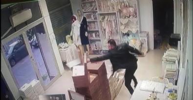 Sevgilisi dehşeti yaşattı! İstanbul Bağcılar'da elinde bıçakla dükkanı bastı! Çalışanları rehin aldı