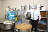 Akçaabat'ta Ramazan'da İhtiyaçlı Aileler İçin İftar Yemeği Hazırlanıyor