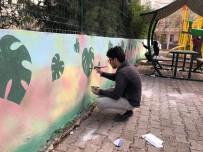 Parkların Duvarları Boyanıyor