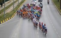 Vatandaşlar 56. Cumhurbaşkanlığı Türkiye Bisiklet Turu'nu İlgiyle Takip Etti