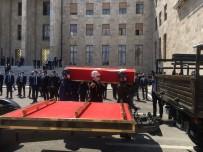 Eski Başbakan Yıldırım Akbulut İçin Mecliste Tören Düzenlendi