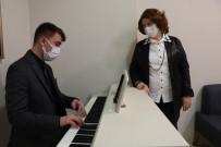 Kanser Hastalarına Müzikle Terapi