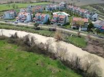 Sinop'ta Yağmur Karları Eritti, Taşkın Riski Yaşandı