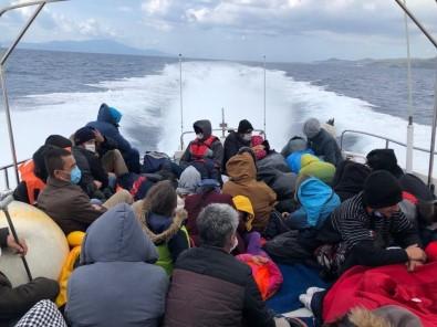 Yunanistan'ın Ölüme Terk Ettiği 51 Düzensiz Göçmeni Türk Askerleri Kurtardı