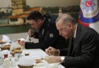 Cumhurbaşkanı Erdoğan, Çengelköy Polis Merkezi'nde İftar Yaptı