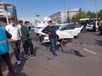 Diyarbakır'da Otomobil, Dönüşü Yasak Olan Yola Girdi Açıklaması 5'İ Ağır 7 Yaralı