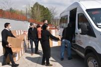 Gençlik Ve Spor İl Müdürlüğü Personellerinden İhtiyaç Sahiplerine Gıda Yardımı