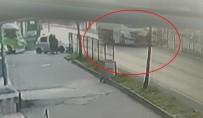 Kırmızı Işık İhlali Yapan Tanker Taksiyi Böyle Parçaladı