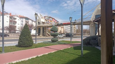 Kırşehir'de Belediye Sokakları Bahara Hazırlıyor
