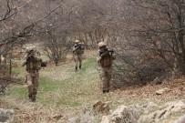 Tunceli'de Teröristlerin Kullandığı 4 Mağara İmha Edildi