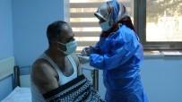 Van'da İftar Sonrasında Da Korona Virüs Aşısı Yapılıyor