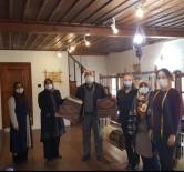Afyon'un Yöresel Kıyafetleri Lefke Bezi El Dokuma Atölyesinde Dokundu