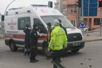 Ambulans İle Motosiklet Çarpıştı Açıklaması 1 Yaralı