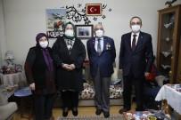 Bakan Selçuk, İftarda 'Reşat Baba' Olarak Tanınan Kıbrıs Gazisi'nin Evine Konuk Oldu