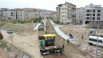 Gazi Caddesinde Sıcak Asfalt Öncesinde PMT Serimine Başlandı