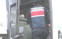 Kütahya'da Başkasına Ait Biletle Seyahat Etmeye Çalışan Temaslı Yakalandı