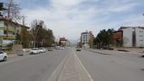 Muş'ta Cadde Ve Sokaklar Boş Kaldı