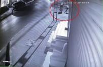 (Özel) Yaşının İki Katı Suçu Bulunan Kapkaççı Yakalandı