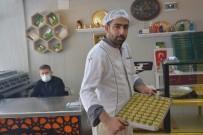 Sandıklı'da İftar Sofralarının Vazgeçilmez Lezzeti 'Soğuk Baklava'